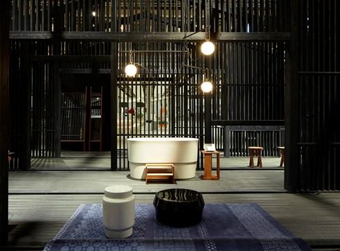International designers choose pine